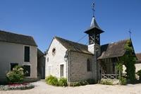 Sur la gauche, la maison-atelier de Théodore Rousseau
